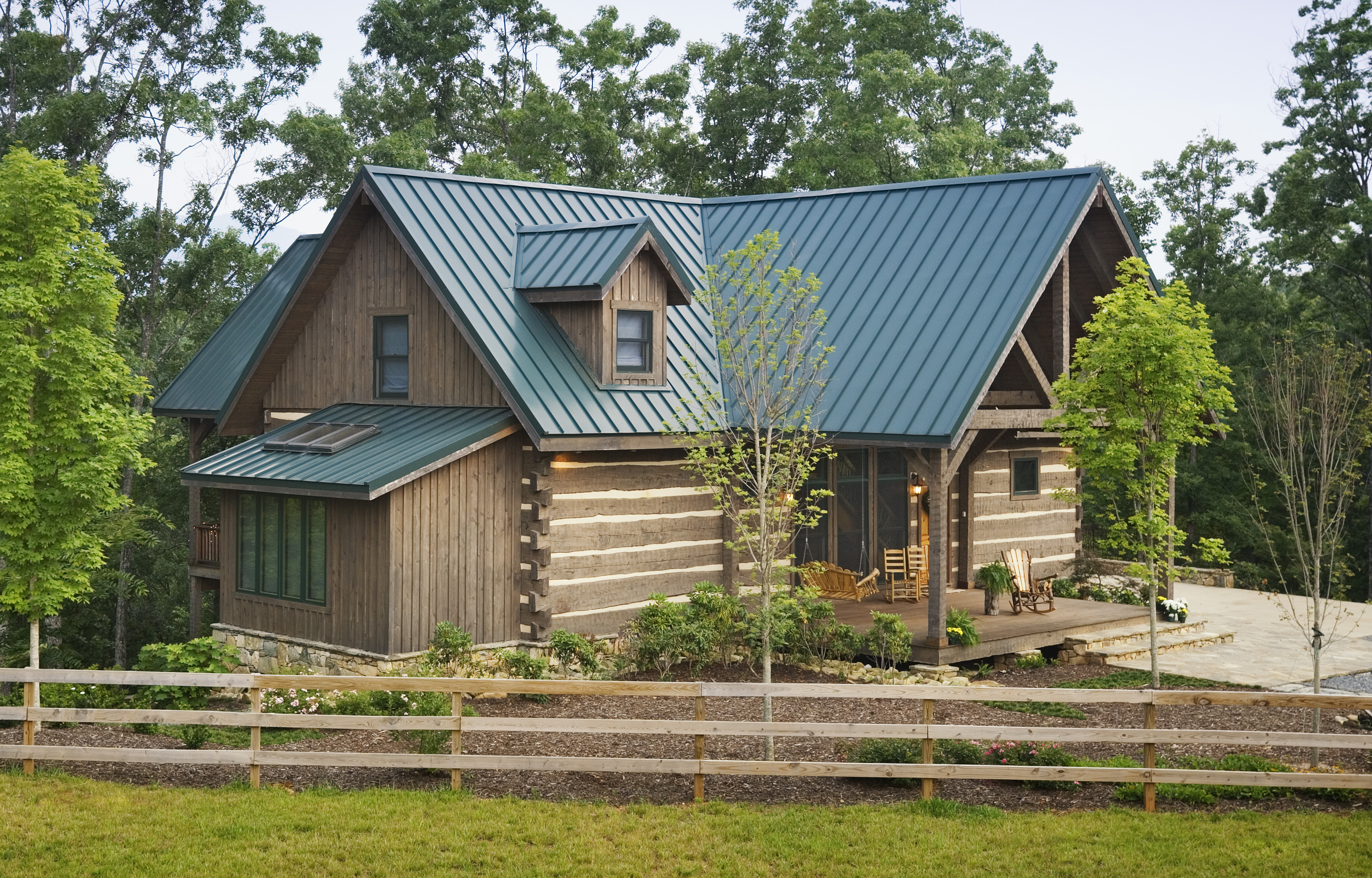 Log home exteriors How to stain log cabin